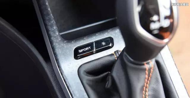 安全气囊,倒车雷达 倒车影像,手刹未放语音提醒,换挡提醒,安全带未系