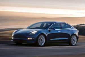 Model 3标准续航版降价!售23.59万元