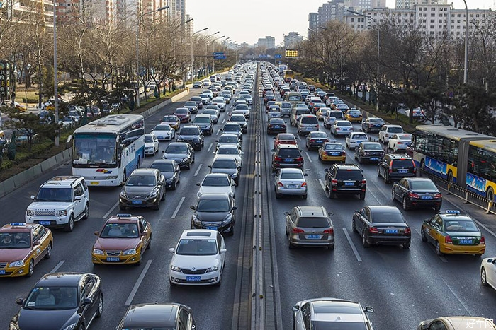 美国人均拥有0.79辆汽车 中国汽车保有量近两亿