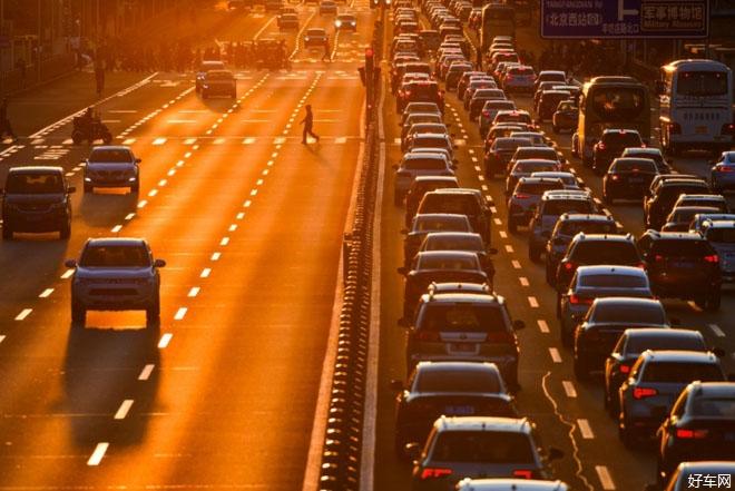 連續第12個月銷量下滑 中國車市持續低迷無任何緩解跡象